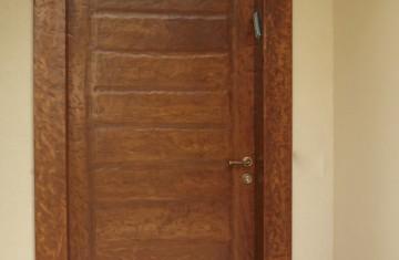 דלת כניסה מעבודת יד